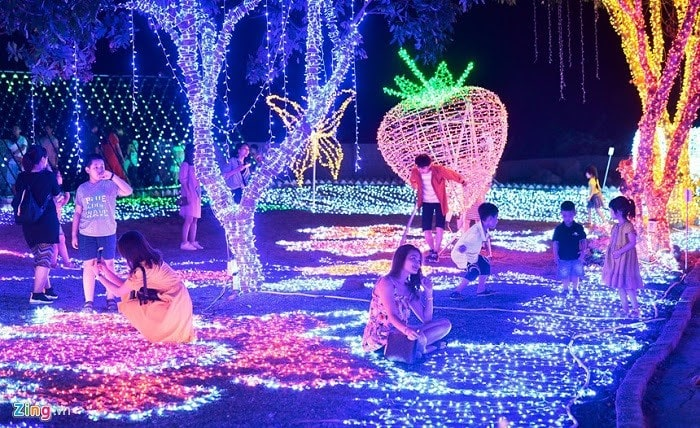 Công viên ánh sáng Pha Luông vào buổi tối