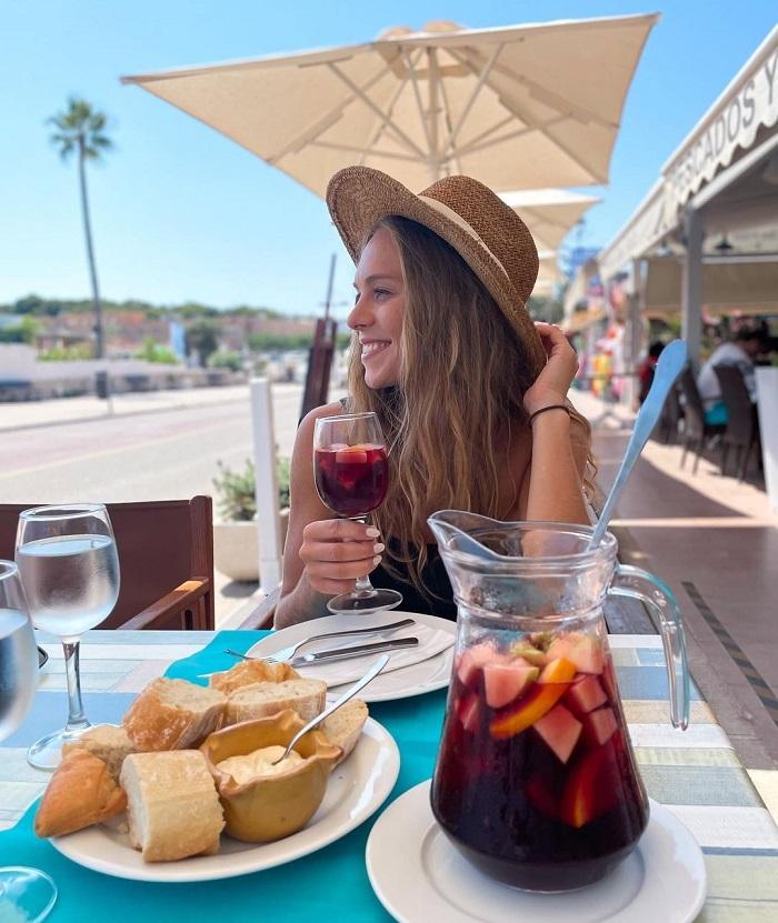 Rượu Rin nổi tiếng ở Menorca - Du lịch đảo Menorca