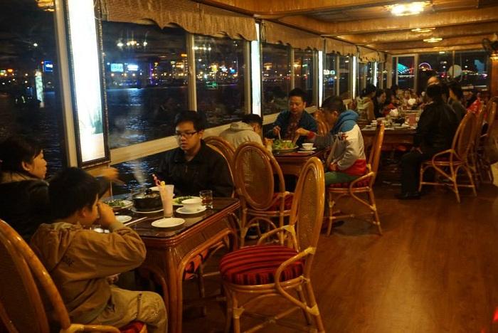 Kinh nghiệm du thuyền sông Hàn - ăn uống