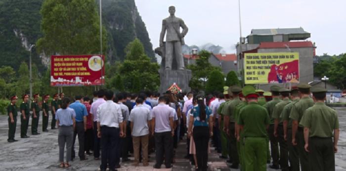 di tích lưu niệm Lương Văn Tri - viếng thăm
