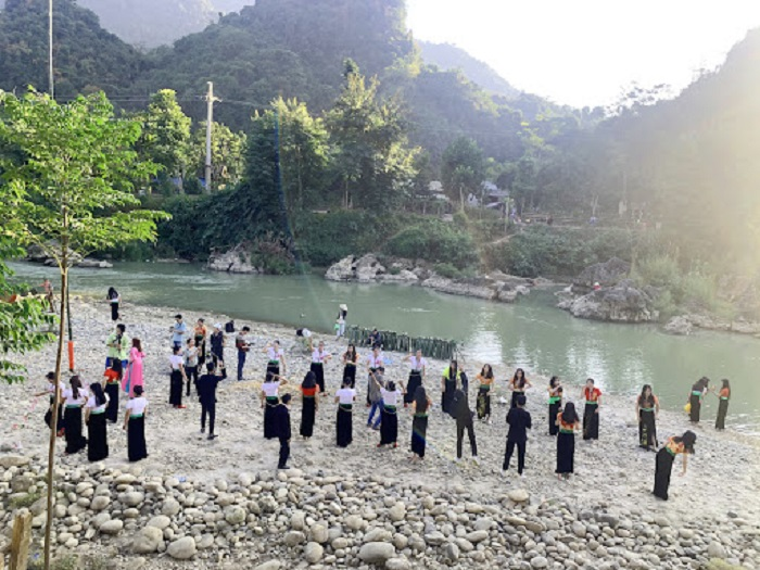 Bản Vàng Pheo - Địa điểm du lịch ở Phong Thổ