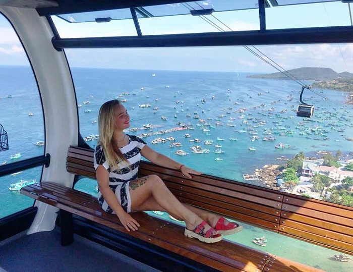 Travel to the South of Phu Quoc Island - Hon Thom cable car