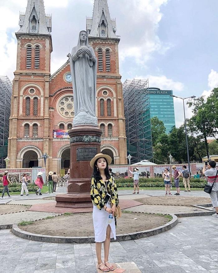 du lịch Sài Gòn 1 ngày - nhà thờ Đức Bà