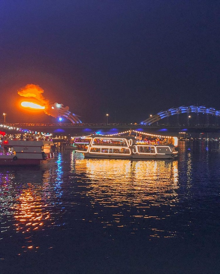 Kinh nghiệm du thuyền sông Hàn - vị trí ngồi