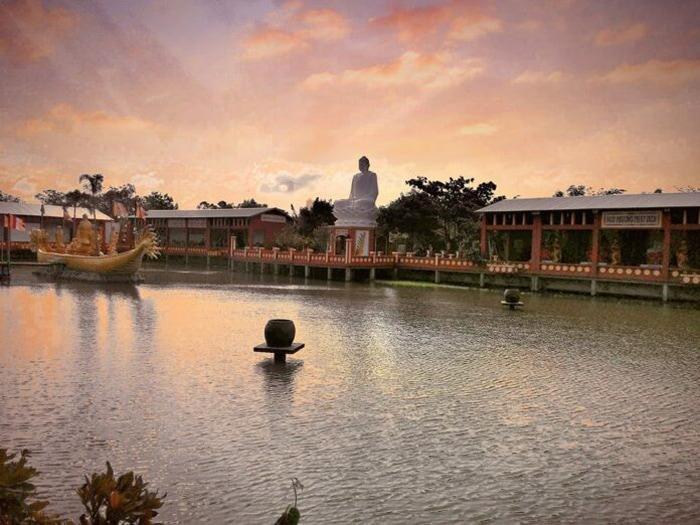 Vãn cảnh chùa Phật Học 2 - Không gian tĩnh lặng