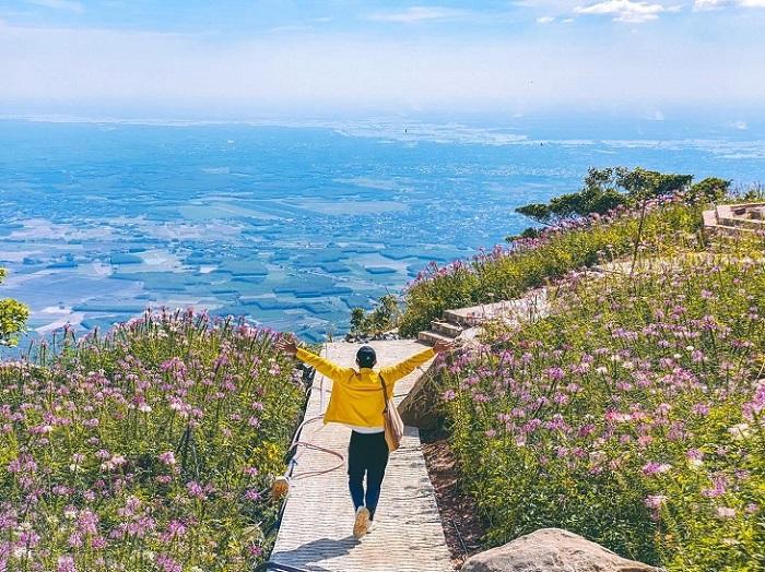 Khu du lịch sinh thái ở Tây Ninh-  Núi Bà Đen
