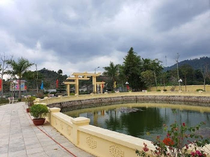 Khu tưởng niệm Hoàng Văn Thụ - xung quanh khu tưởng niệm