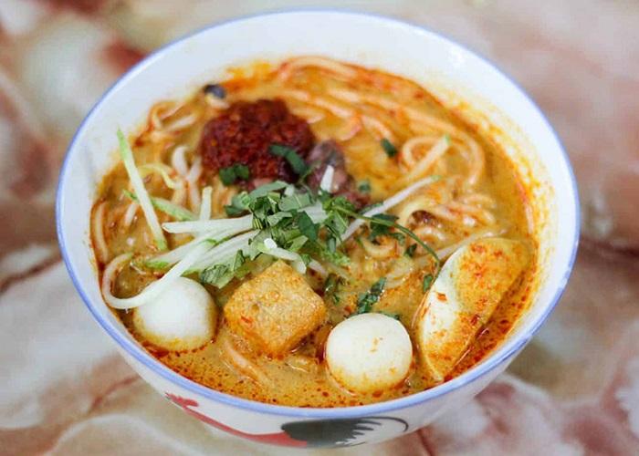 Kinh nghiệm du lịch Kota Kinabalu nên ăn gì? Món mì cà ri Laksa - Món ăn ngon, đặc sản ở Kota Kinabalu