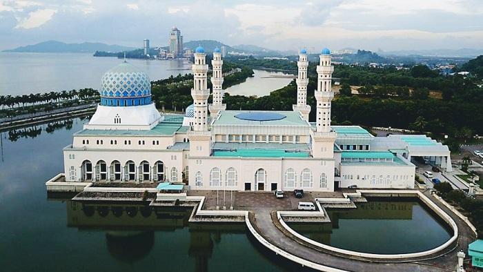 Kinh nghiệm du lịch Kota Kinabalu nên đi đâu? Nhà thờ Masjid Bandaraya - Địa điểm du lịch nổi tiếng ở Kota Kinabalu