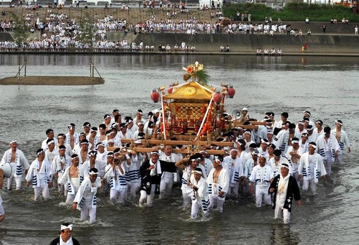 Sumiyoshi - Lễ hội ở Osaka
