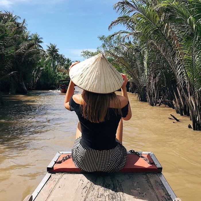 Du ngoạn khu du lịch vườn Ba Ngói - Lênh đênh sông nước