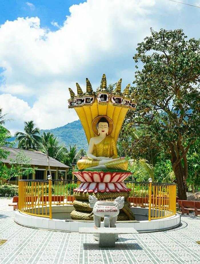 Check in chùa Cọc An Giang - Một góc trong khuôn viên