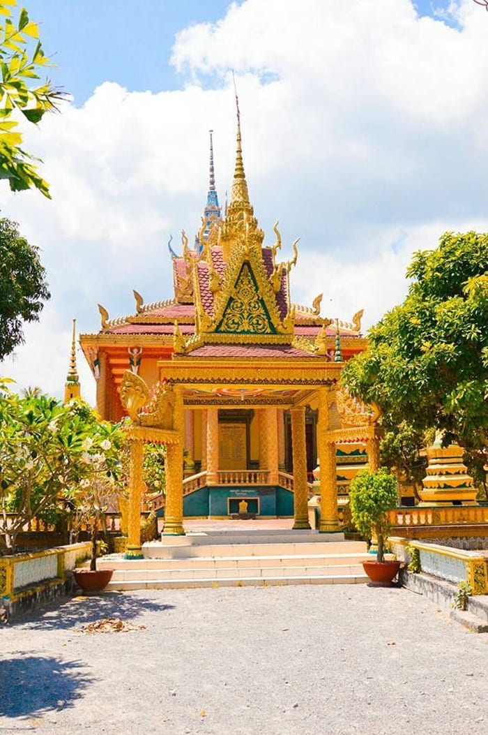 Check in chùa Cọc An Giang - Những chóp nhọn