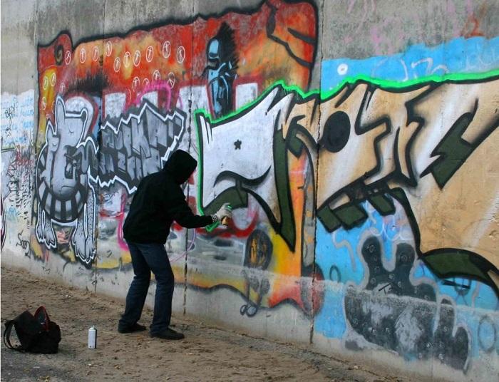 Vẽ bậy, phá hoại hoạt cảnh công cộng - Những điều cấm kỵ ở Singapore