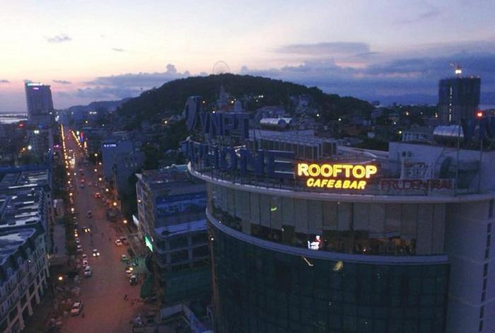 Những quán bar ở Hạ Long - Rooftop Cafe & Bar