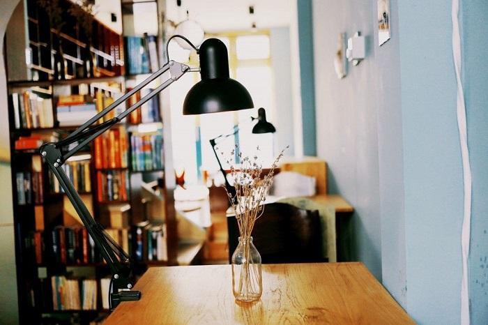 Những quán cafe sách ở Sài Gòn - Slowee coffee & book