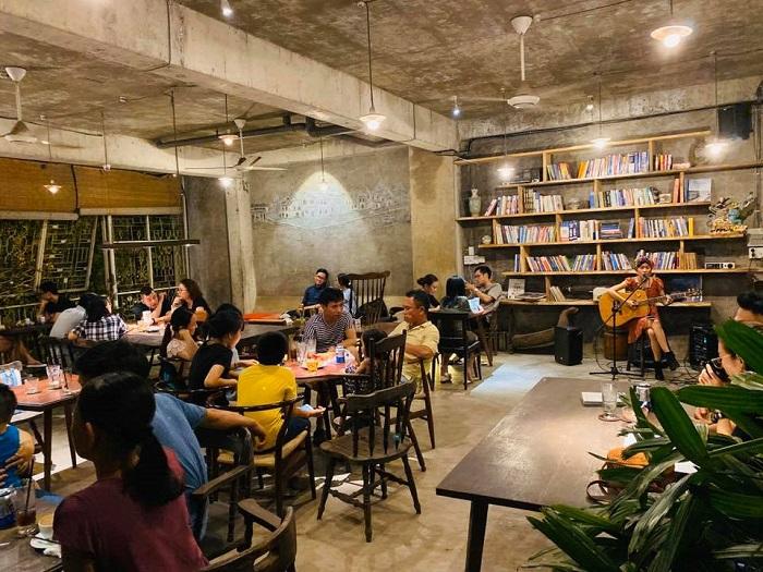 Những quán cafe sách ở Sài Gòn -The Lib Coffee & Books