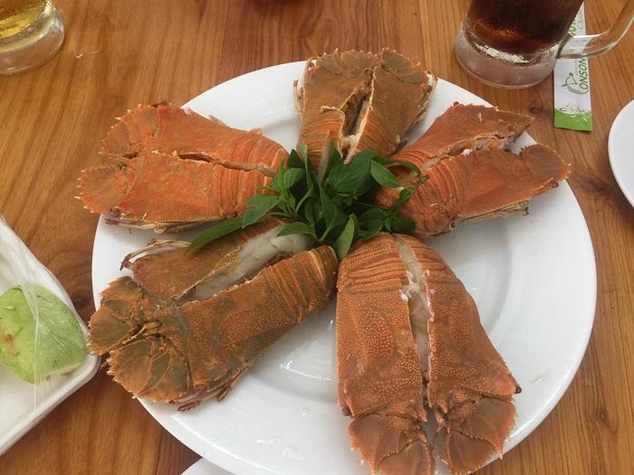 Những quán hải sản ngon rẻ ở Côn Đảo- quán Út Triệu thực đơn