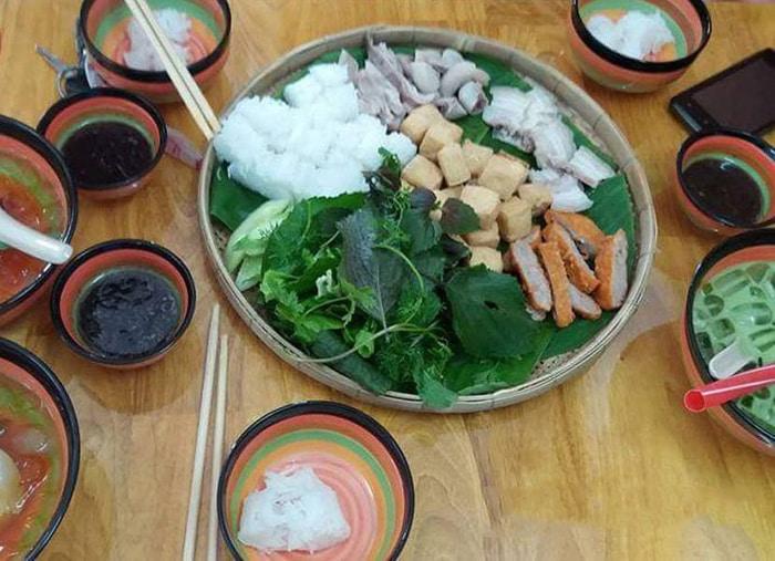 Bật mí top 10 quán ăn ngon Vĩnh Long - Quán Mẹt bún đậu mắm tôm