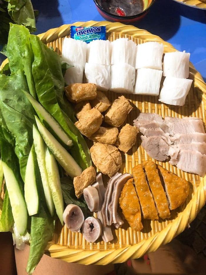 Bật mí top 10 quán ăn ngon Vĩnh Long - Quán thu hút rất nhiều thực khách