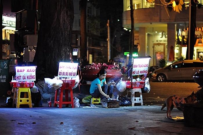 Sài Gòn buồn thì đi đâu?- khu ăn vặt