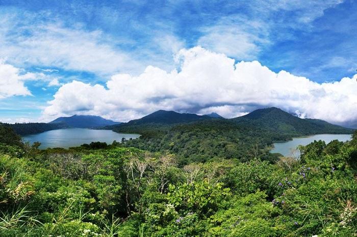 Điểm ngắm cảnh Hồ đôi Bali - Địa điểm tham quan Munduk Bali