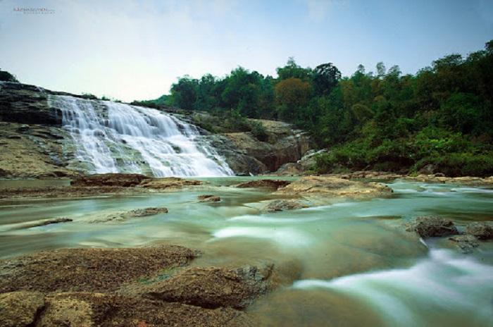 Thác Bảy Tầng - Thác nước ở Nghệ An
