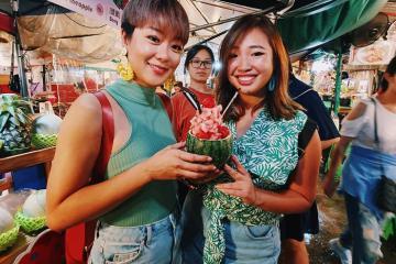 'Quẩy banh nóc' tại các khu chợ đêm ở Phuket
