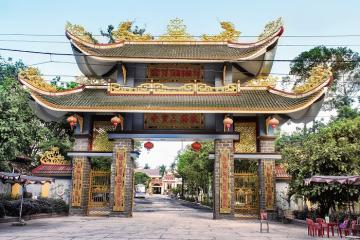 Du lịch Hà Tiên chiêm ngưỡng kiến trúc độc đáo của chùa Tam Bảo và vãn cảnh thanh tịnh