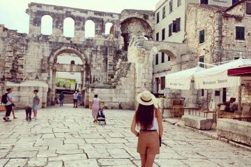 Lạc vào thời kỳ của Đế chế La Mã trong cung điện Diocletian Croatia