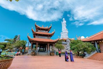 Vãn cảnh những ngôi chùa đẹp và nổi tiếng nhất ở Kiên Giang