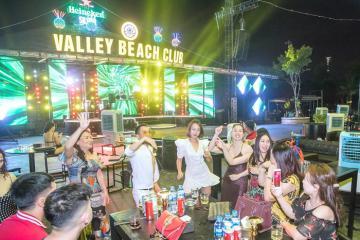 'Quẩy tung nóc' với những quán bar ở Hạ Long không gian đẹp, đồ uống ngon