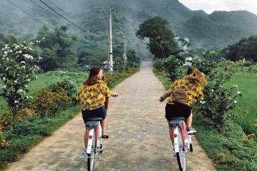 Tận hưởng chuyến nghỉ dưỡng 'thần tiên' tại bản Pom Coọng Hòa Bình