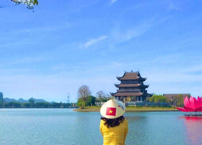 hình bát giác - kiến trúc độc đáo của Chùa Vàng Ninh Bình
