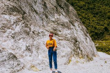 Tham quan đèo đá trắng Hòa Bình đẹp tựa tuyết phủ ở Việt Nam