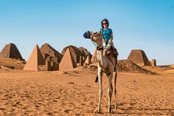 Khám phá kim tự tháp cổ Meroe, điểm du lịch hấp dẫn nhất Sudan