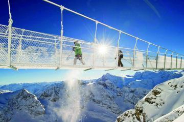 Hãi hùng khi đi trên 10 cây cầu nguy hiểm nhất thế giới