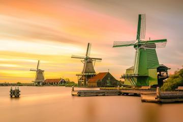 Lạc vào khu thị trấn cối xay gió Zaanse Schans của Hà Lan