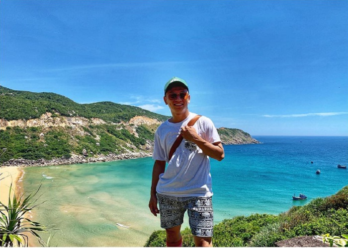 'Standing' in front of the beauty is 1 - 0 - 2 at Bai Mon Phu Yen
