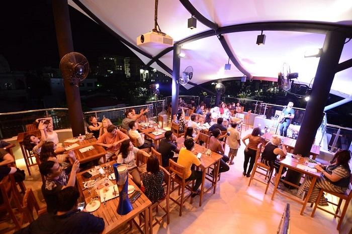 Ned Kelly Restaurant & Bar - Những nhà hàng nổi tiếng ở Mandalay
