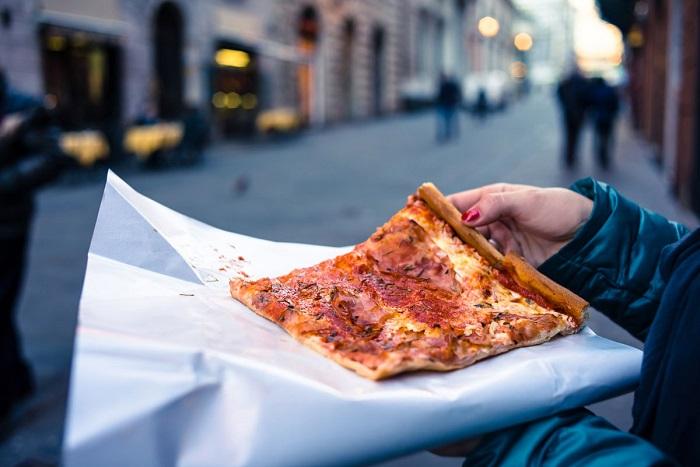 Cách tốt nhất để thưởng thức pizza ở Ý - Tìm hiểu về bánh Pizza Ý