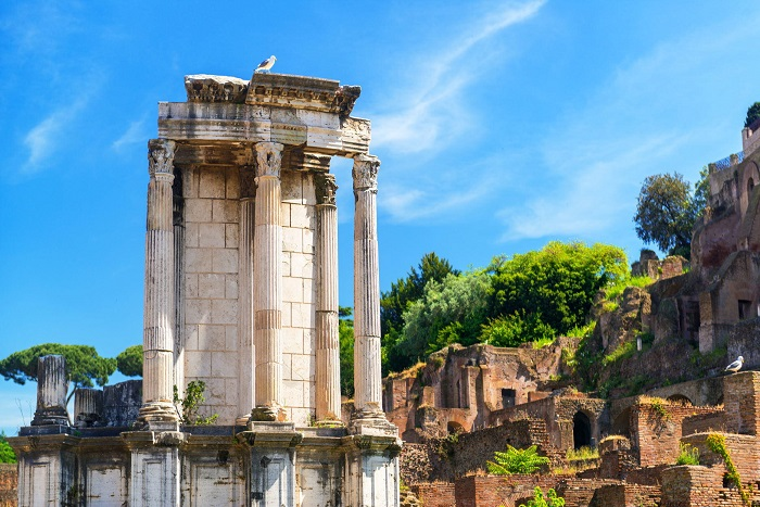 Đền Vesta - Quảng trường La Mã