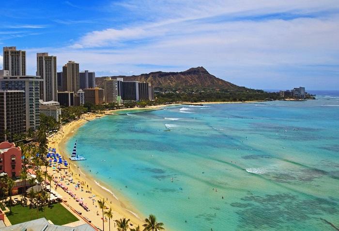 bãi biển Waikiki -  địa điểm du lịch nổi tiếng ở Hawaii