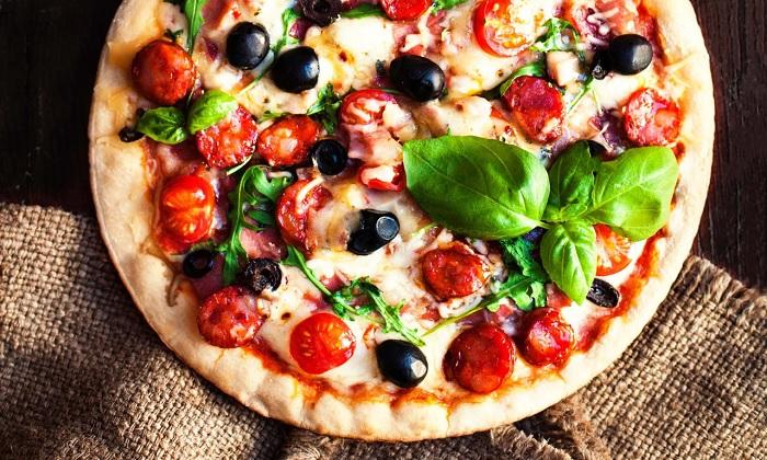 Món bánh pizza truyền thống Ý - bánh Pizza Ý