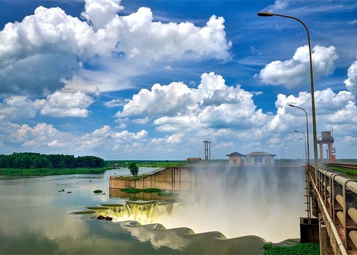 Check in đập Phước Hòa  - Bức ảnh siêu chất vào những ngày trời đẹp