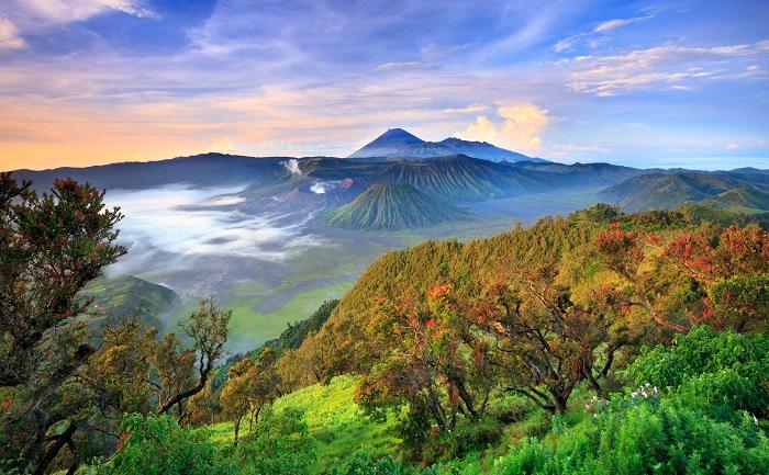 4 đỉnh núi lửa nổi tiếng trên đảo Java - leo lên đỉnh núi lửa Bromo