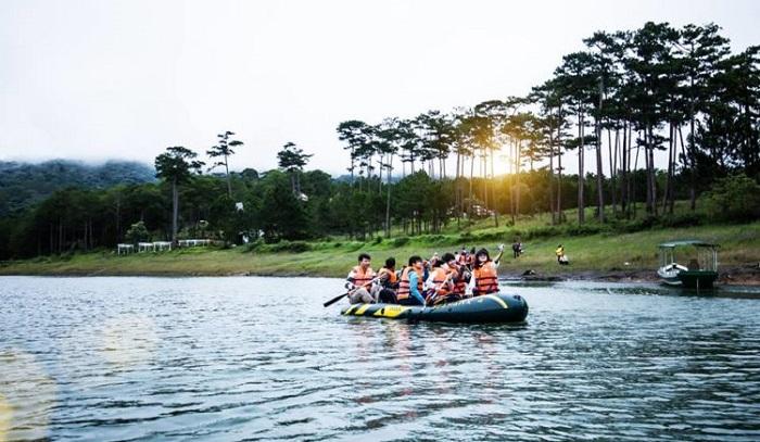 7 điểm chèo thuyền kayak đẹp ở Việt Nam Hồ Tuyền Lâm