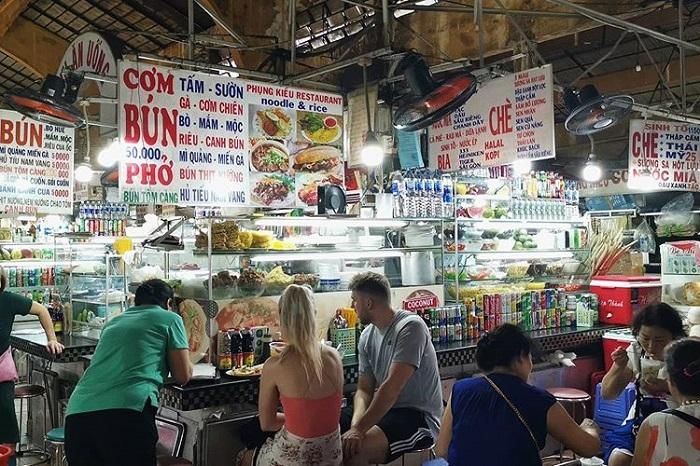 chợ Bến Thành - ẩm thực phong phú