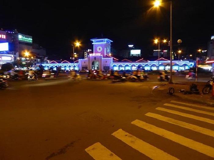 chợ Bến Thành - về đêm