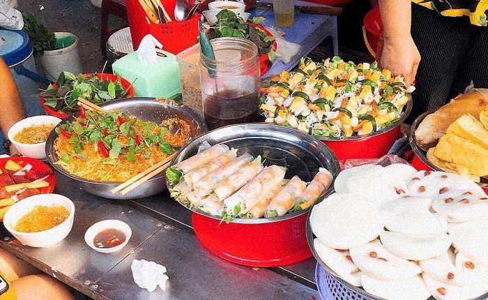 Các món cuốn ở chợ Cố Đạo - chợ ẩm thực Hải Phòng